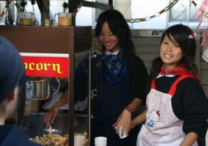 模擬店の定番人気キャラメルポップコーンは文化祭でも好評です!