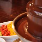 チョコレートファウンテンは、バレンタインイベントに人気です♪