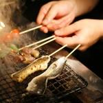 炭火焼き鳥器で、美味しい串焼きも楽しめます