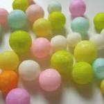 香川県の和菓子【おいり】。餅米から作られる餅菓子(あられ)